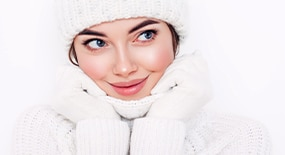 HOW TO SOOTHE SENSITIVE SKIN IN WINTER