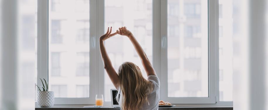TIPS TO HELP TREAT HORMONAL ACNE HOLISTICALLY