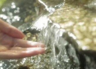Pogledajte priču o Avène termalnoj izvorskoj vodi!