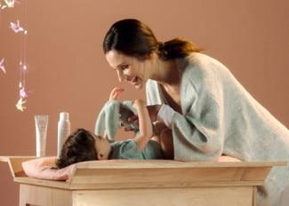 Zklidnění podrážděné dětské pokožky - Termální voda Avène