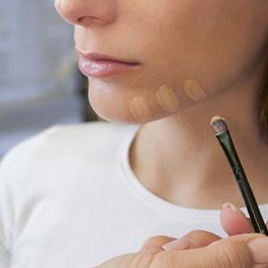 Dermatologisches Make-up