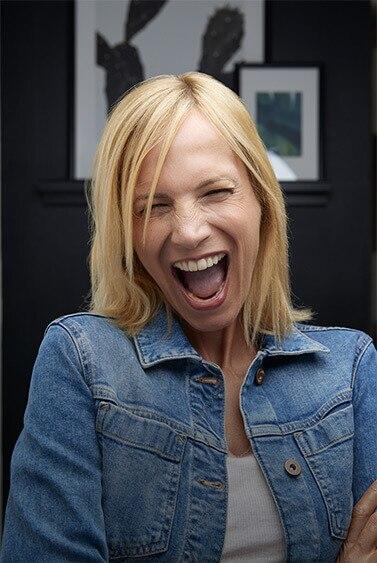 Elodie souriante