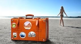 Le soleil et rien d'autre… la tendance nude à la plage !