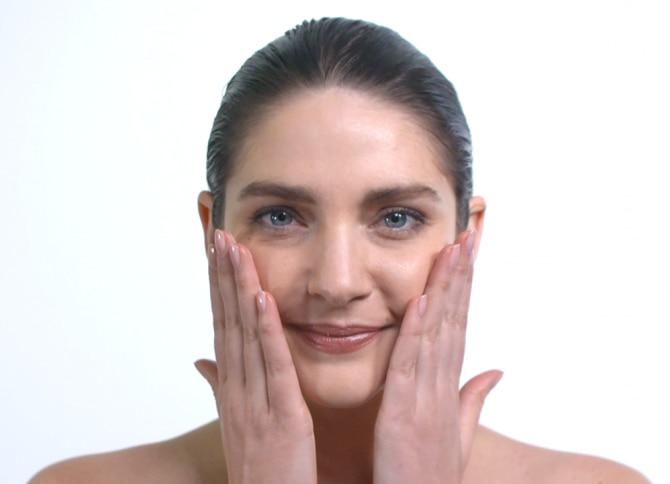 Application tutorial: Skin recovery cream