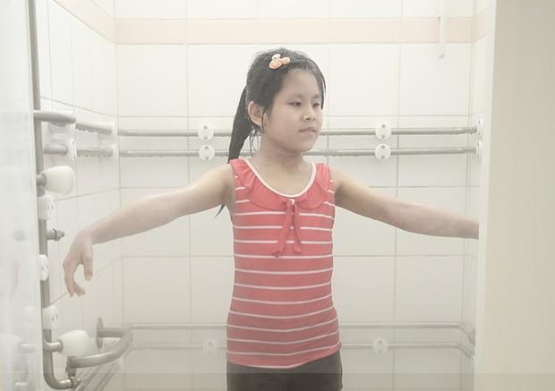 李小妹在活泉中心